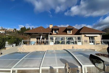 Villa 300m2 avec piscine couverte et privée