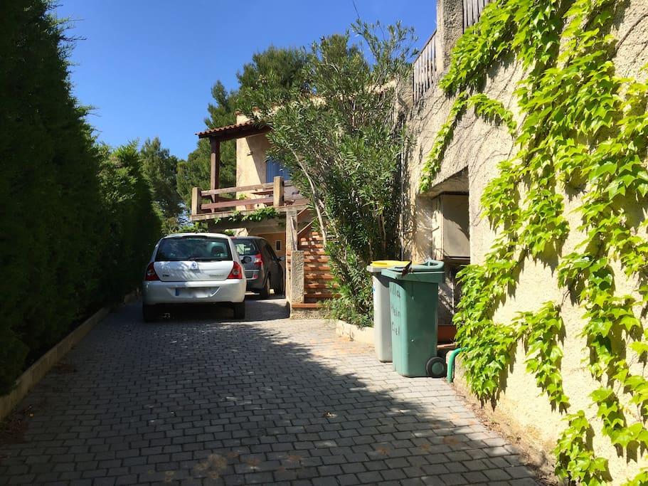 Parking/Entrée