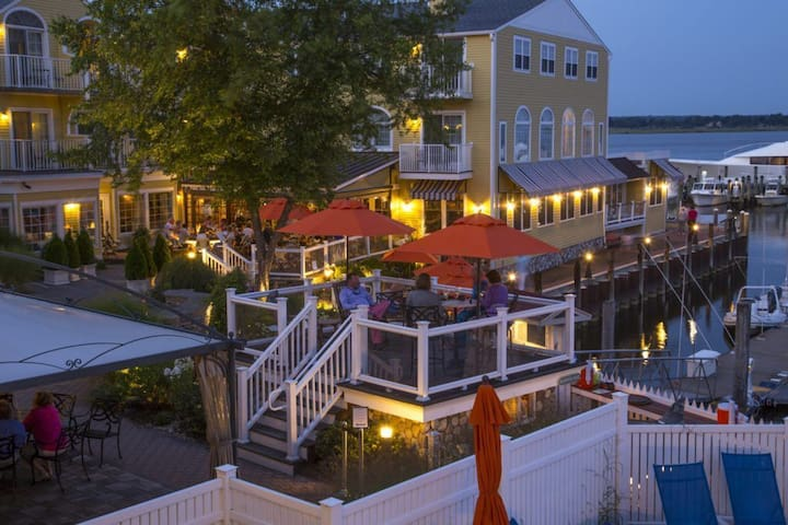 Luxury Waterfront private B&B in Old Saybrook, CT