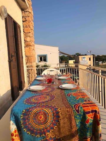 Cene in terrazzo, comodi anche in 6 persone!