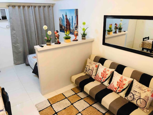 Studio Luxe Unit at Gilmore, Quezon City.