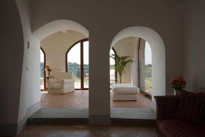 luxury villa IL SANTO Tuscany btw Florence n Siena