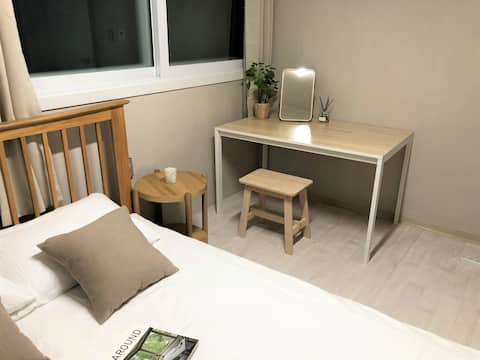 D) 3min from Itaewon stn [2BR ] Cozy house