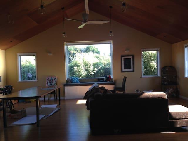 Comfortable 3 bedroom home - Carterton - Rumah