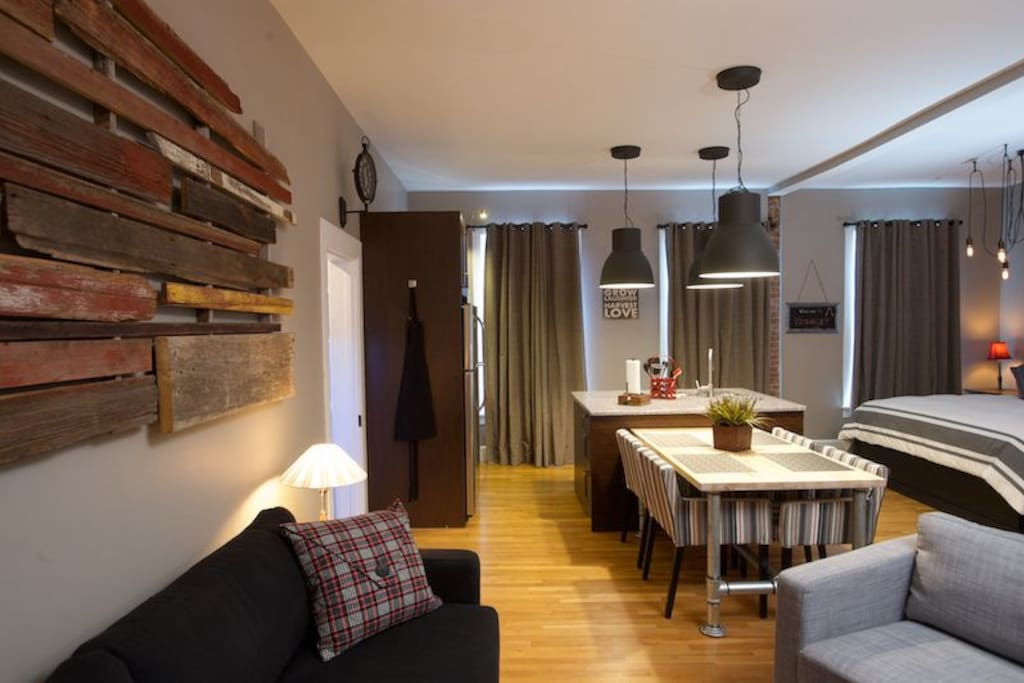 Walk just a few steps from the sofa to the fully-equipped kitchen
