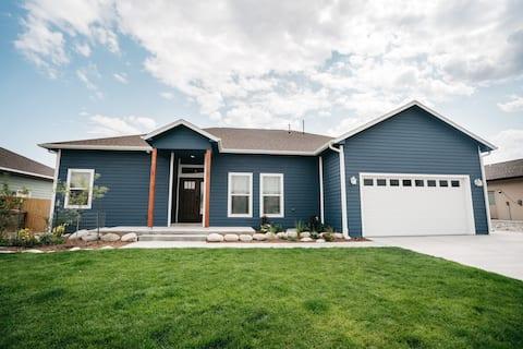 Vista Dorada- New home in quiet neighborhood.