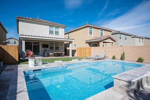 Beautiful New House with Modern Heated Pool