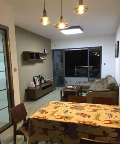 全屋家私家电,奢华的无敌高尔夫全景。(真是好笋,心动不如行动,名牌家私家电) - Jiangmen - Apartamento