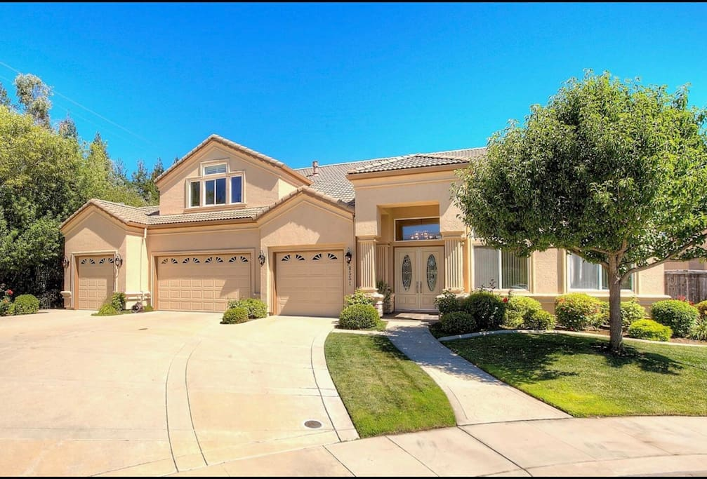 Beautiful 4 200 Sq Ft Luxury Home Houses For Rent In Elk Grove California United States