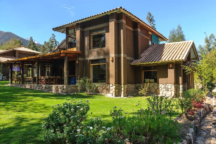 Casa Urubamba, beautiful vacation home,  Sacred Va - Urubamba - House