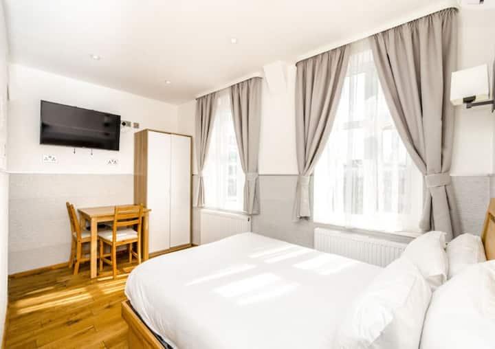 Private Studio Apartments in Central London