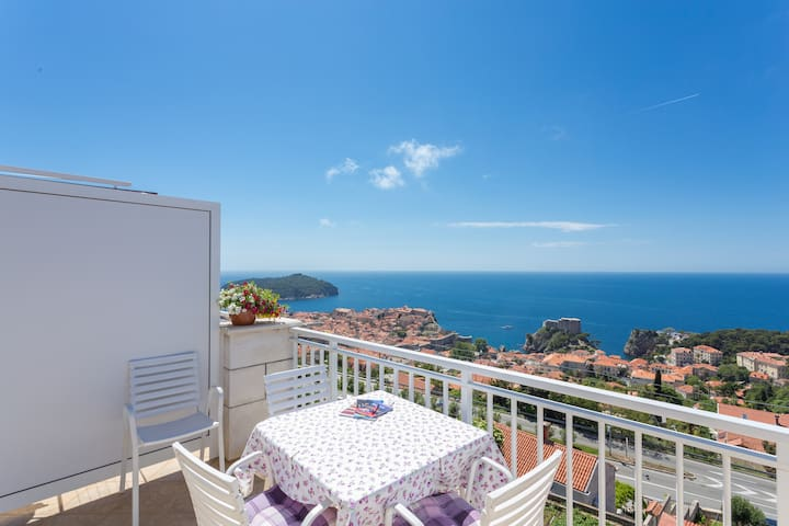 Romantic apartment-Dubrovnik view