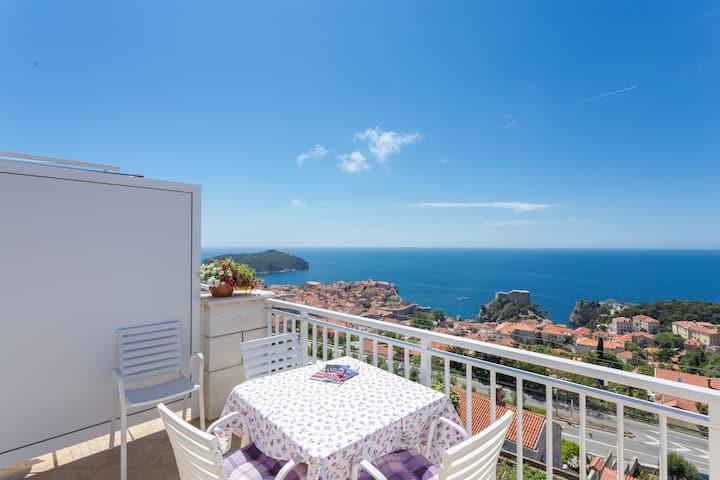 Romantic apartment-Dubrovnik view