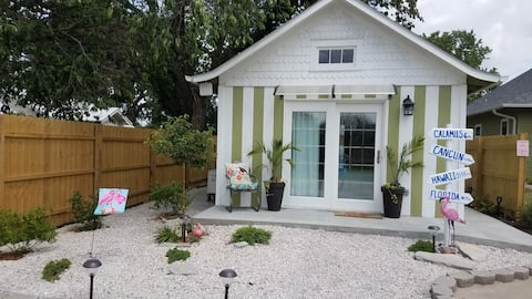 Beach House Bungalow. Delightful one bedroom tiny house.
