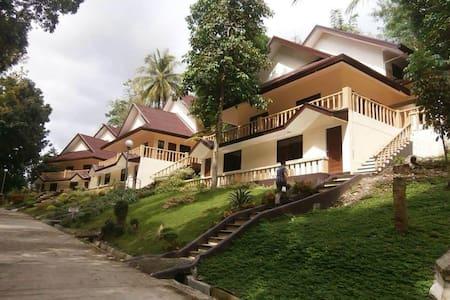 Camp Goducate Hillside Villas