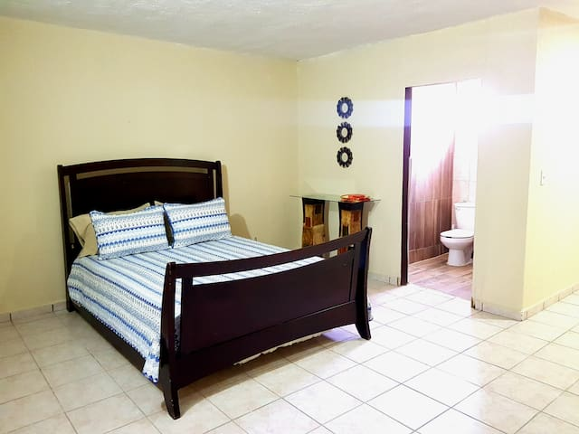 Plaza Goya Suite #206 just  minutes to the beach!