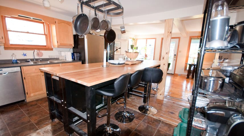1 Bdrm in Heritage Building Downtown Halifax