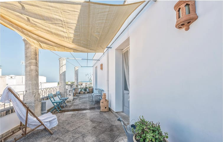 Semi-Detached with 1 bedroom on 80 m² in Marittima - Diso -LE-