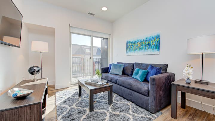Beautiful 1BD condo in Downtown Indianapolis, washer and dryer