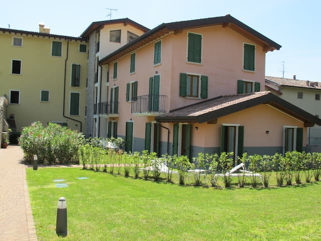 apt for 4+2 persons in Toscolano Maderno R40930