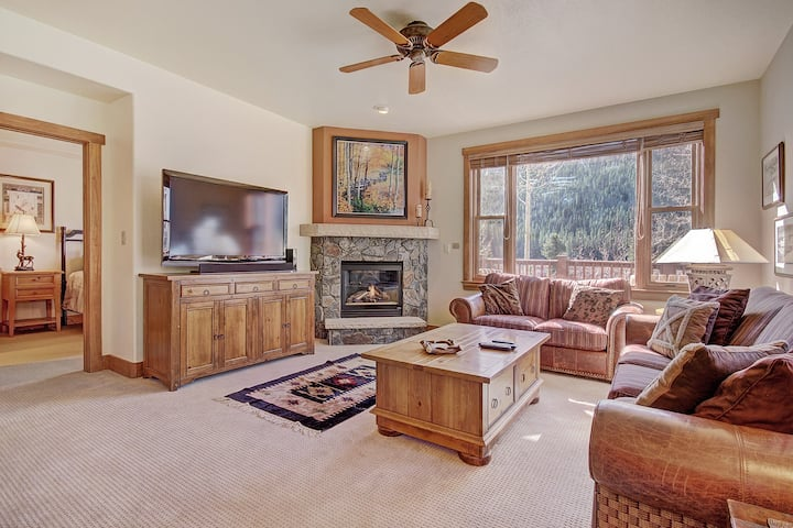 Lovely Ground Floor Two Bedroom Townhome with a Slope View!