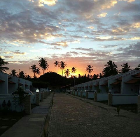 Local bem tranquilo e agradável Próximo as praias