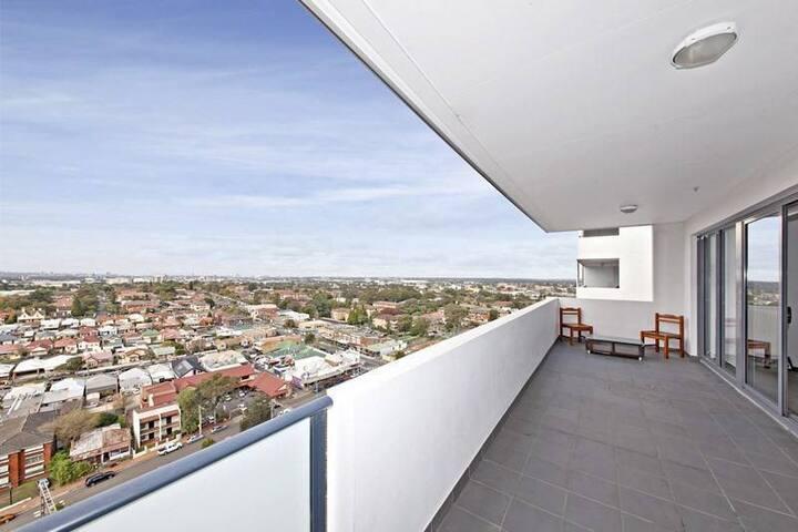 1 private room in Parramatta for Indian M/F