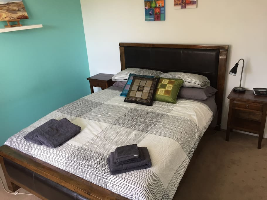 Nice comfy queen size bed