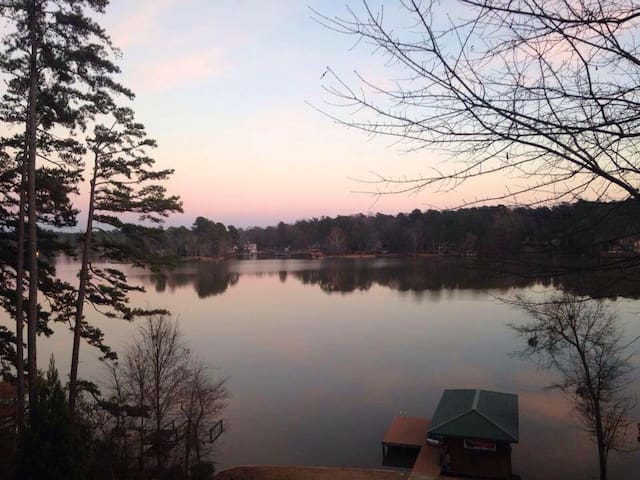 Private Apt w/Beautiful Lake View - Eatonton - Дом