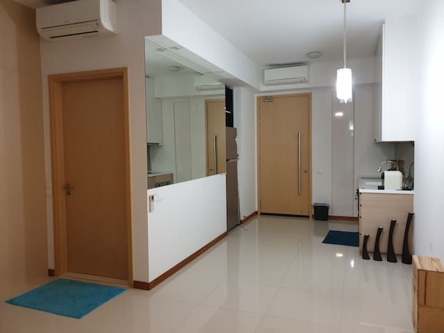 Studio entire place, located at mrt & the mall