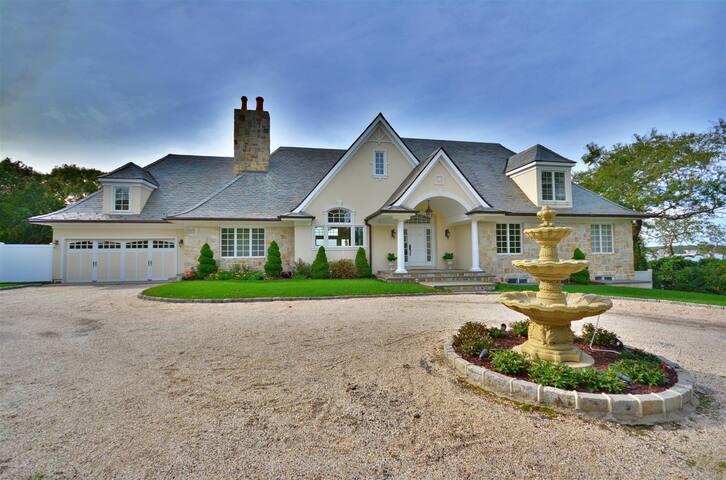 Southampton Bay Front Villa