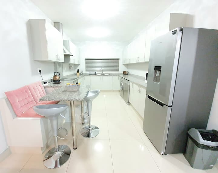 Luxurious 3 Bed Executive Apartment | Essenwood