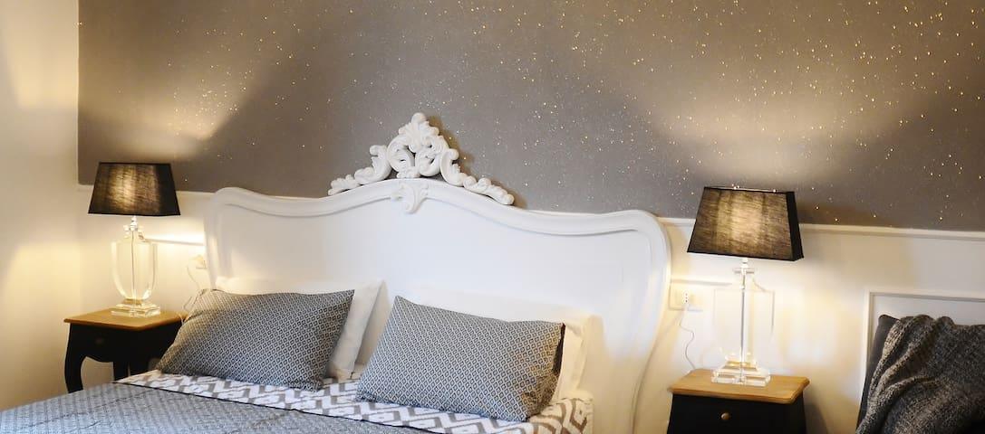 A Casa di Giulia ( Camera Glam)