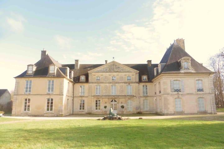 """Chambre d'hôtes au château,  """"Général de Quelen"""""""