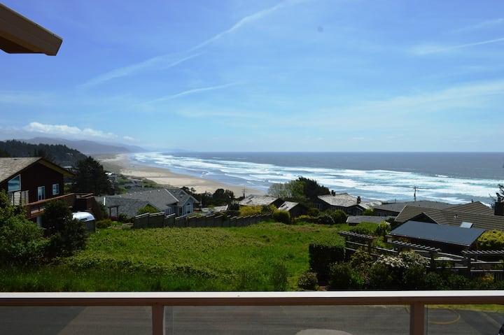 THE VIEW HOUSE~Breathtaking ocean views from this elegant home that sleeps 13 - 4 Bedroom, 4 Bathroom