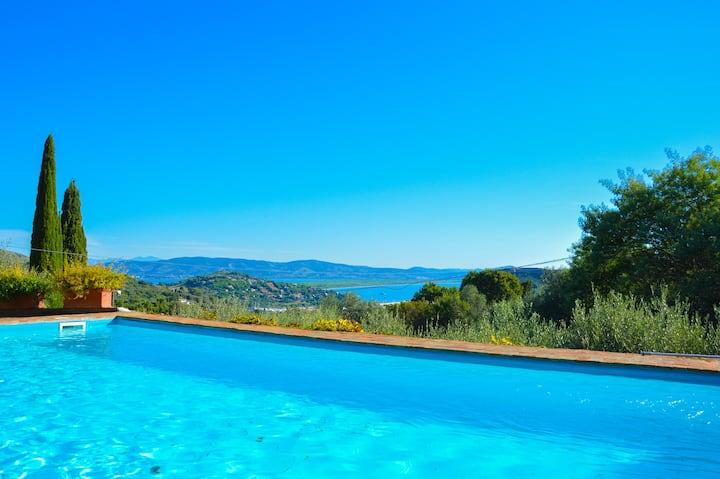 Villa Prestigiosa con Piscina e Vista mare