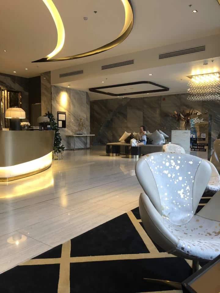 Central Bangkok luxury condominium-31
