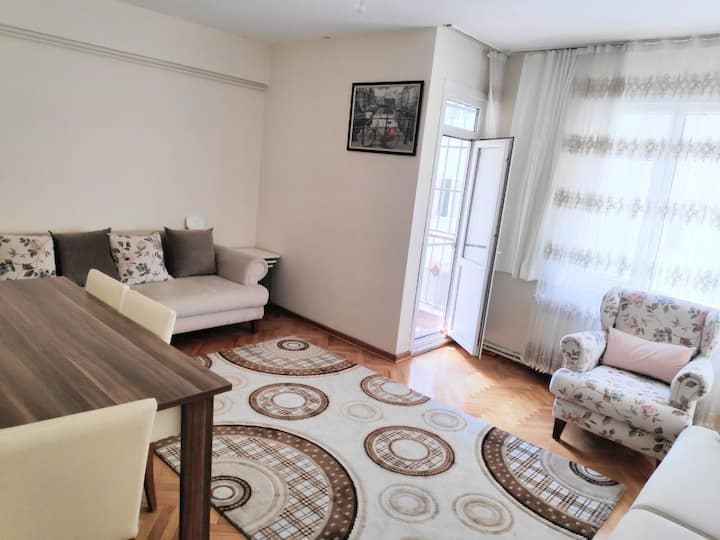 Clean, cozy, safe room in central of Kadikoy