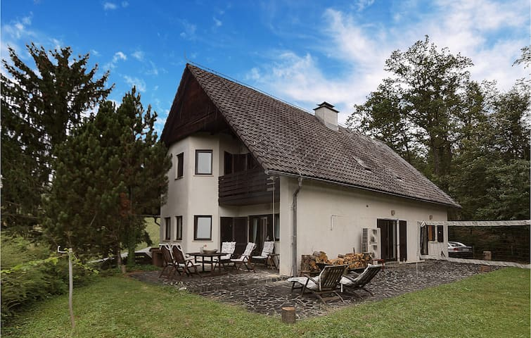 Holiday cottage with 2 bedrooms on 149m² in Zgornja Polskava