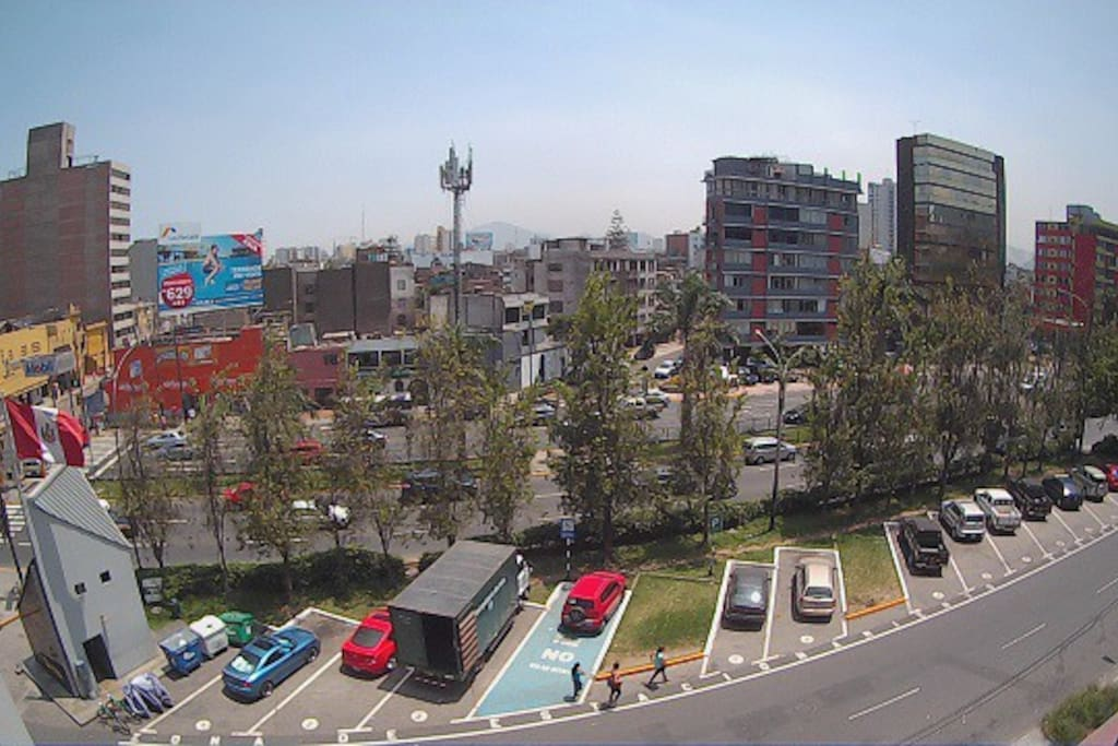 Vista desde el balcón del departamento (5to piso) - Un departamento por piso