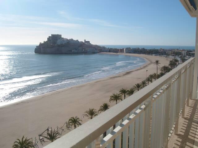 Locación 1er línea de playa, los pies en el agua - Peníscola - Daire