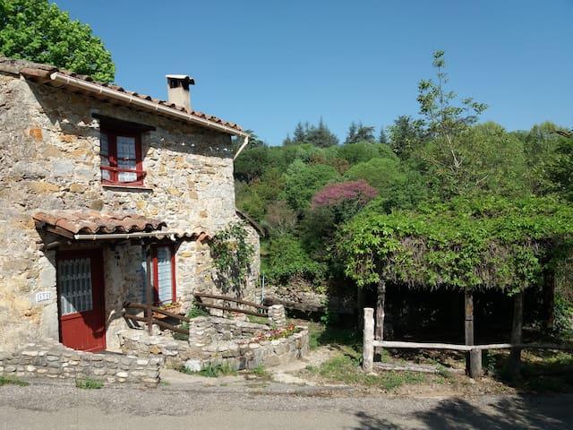 Moulin XVIe: gîte insolite à Anduze