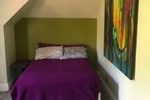 Green yin/yang bedroom
