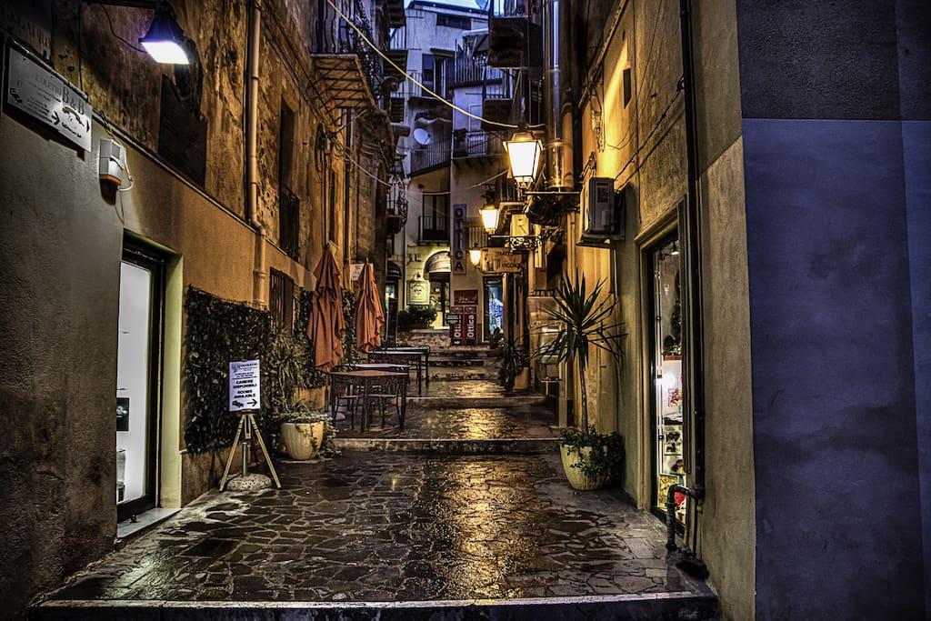 Via Celauro (Strada d'ingresso)