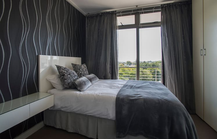Sleek and Central Bachelor Flat - Southern Suburbs - Apartamento