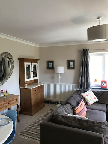Happy, Spacious, Bright 2 Bedroom Home in Ditcheat - Shepton Mallet - Apartment