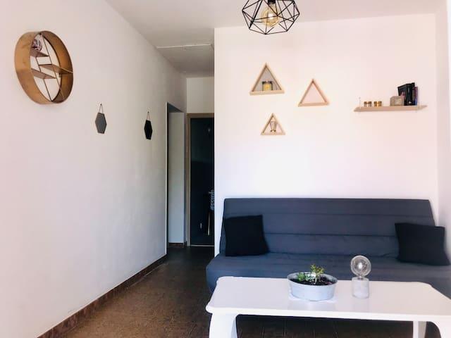 Appartement F3 entièrement rénové, situé en Corse