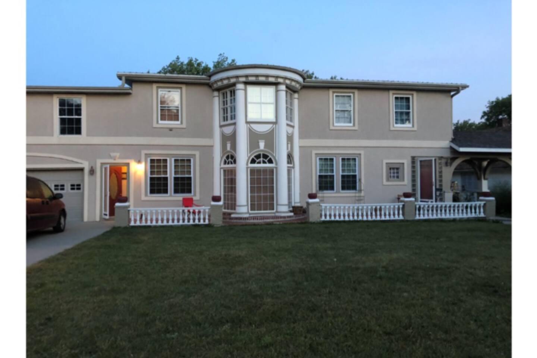 VINTAGE HOME IN WINNER, South Dakota