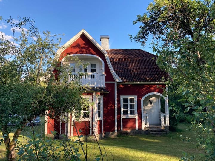 Villa Kunterbunt bei Lessebo, See in 800 m, WIFI