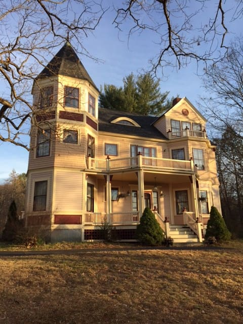 Victorian home located in beautiful central NH